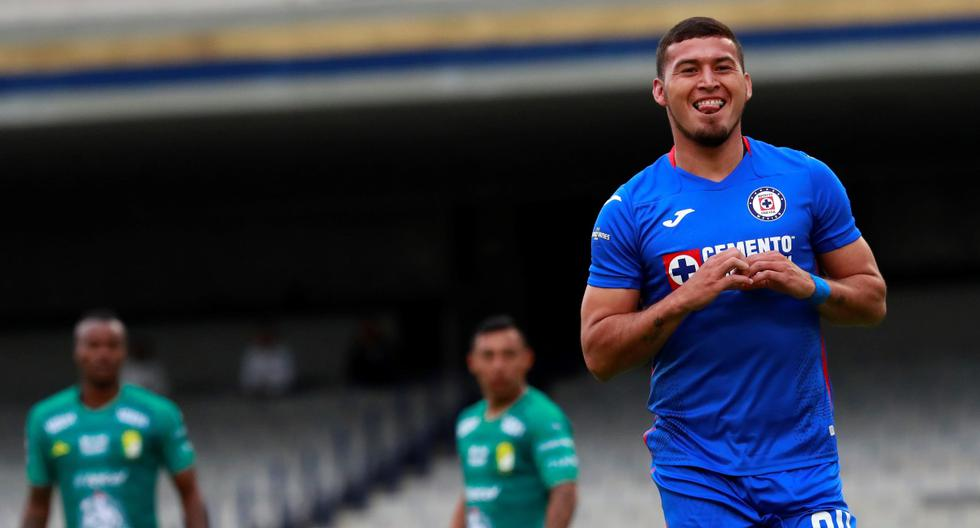 Cruz Azul derrotó 2-0 a León por la fecha 3 del Apertura de la Liga MX | Foto: EFE