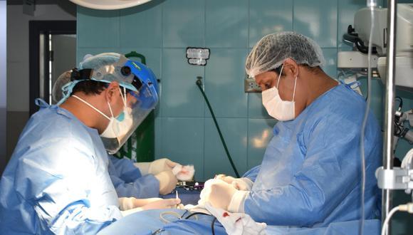 El paciente llegó prácticamente inconsciente a causa del dolor que padecía. (Foto: Hospital Víctor Ramos Guardia)