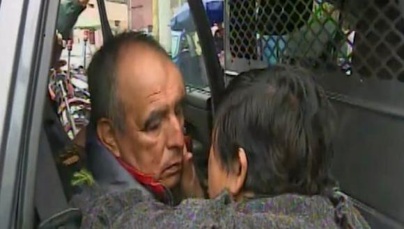 El señor Raúl Esquivel se reencontró con su familia. (Foto: Captura/América Noticias)