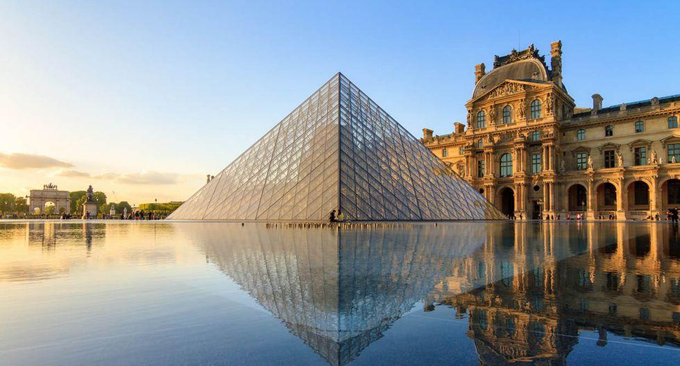 arís. La Ciudad Luz es famosa en todo el mundo por sus construcciones como la Torre Eiffel y el Arco del Triunfo. Otras más modernas, como la pirámide del Museo de Louvre inaugurada en 1989, también se han convertido en ícono de la ciudad. (Foto: Shutterstock)