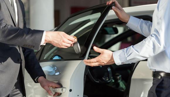 Más del 80% de las búsquedas para la compra de un vehículo primero se inician de manera virtual, refiere el estudio de OLX Autos Perú. (Foto: Getty Images)