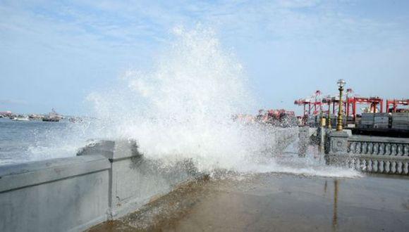 Cuatro puertos permanecen cerrados por oleajes