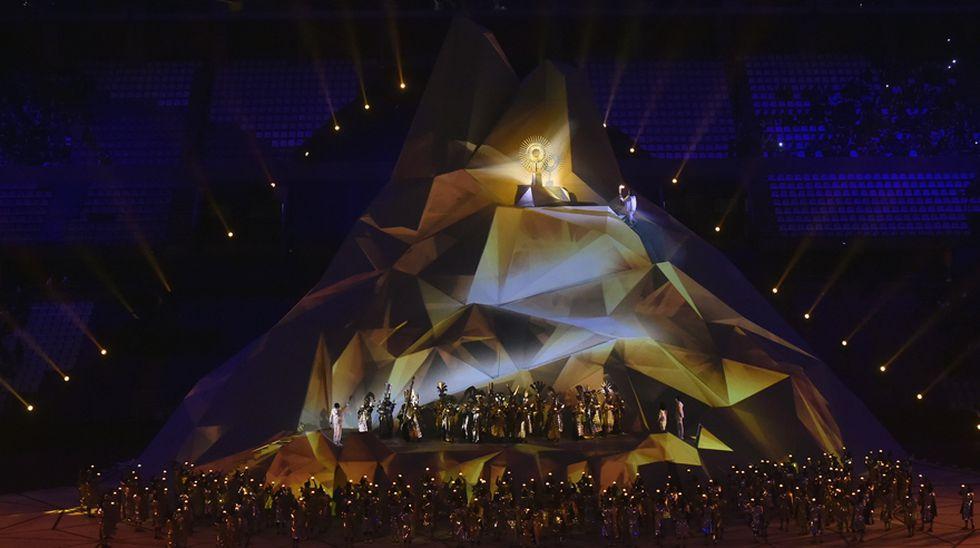 El encendido del pebetero en los Juegos Panamericanos Lima 2019. (Foto: AFP)