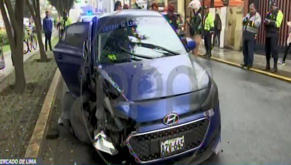 El auto quedó destrozado. (Foto: Captura/RPP Noticias)