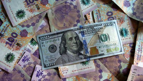 """Hoy el """"dólar blue"""" se cotizaba en 147 pesos en Argentina. (Foto: Reuters)"""