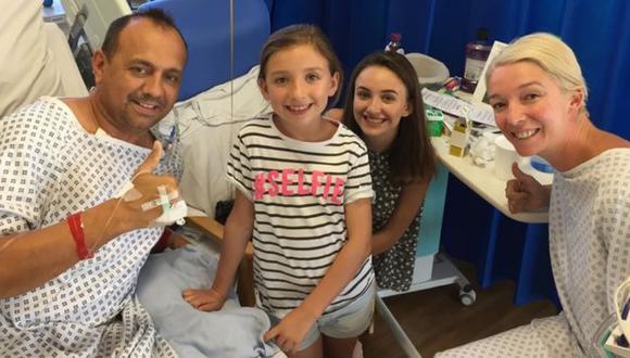 Dan Pyatt junto a su ex esposa Kelly Hope y sus hija, Jeanie (11) y Billie (16) después de la operación que salvó la vida del primero. (Foto: Mirror/Copy Media)
