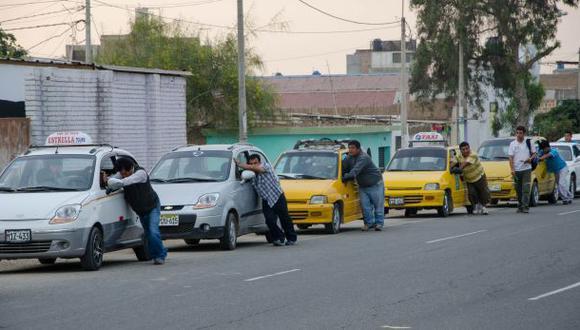 Taxis del Callao no tienen que usar distintivos como en Lima