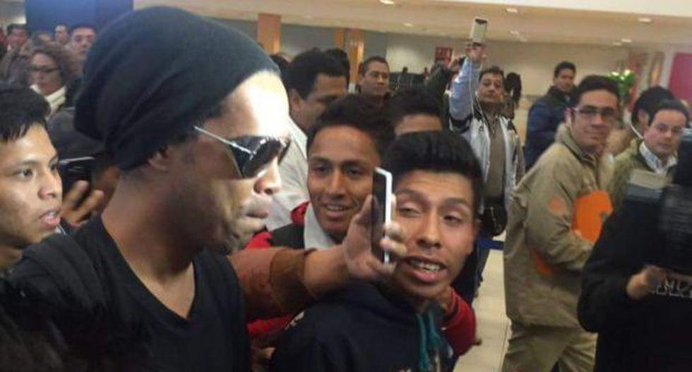 Ronaldinho llegó a Cusco en medio de gran expectativa [FOTOS] - 7