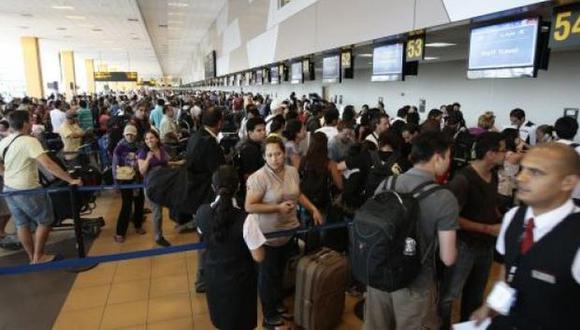 El MTC informó que este aumento de tránsito en los aeropuertos del país se debe a las continúas promociones de vuelos subsidiados en zonas amazónicas.   (Foto: USI)