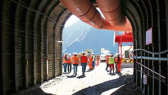 En el Ministerio de Energía y Minas niegan que haya habido un trato preferencial a Minera IRL. (Archivo: El Comercio)