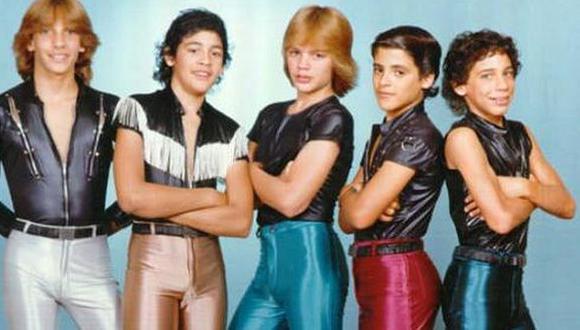 """""""Súbete a mi moto"""", es el nombre de la nueva serie basada en el grupo musical """"Menudo"""". (Foto: Difusión)"""