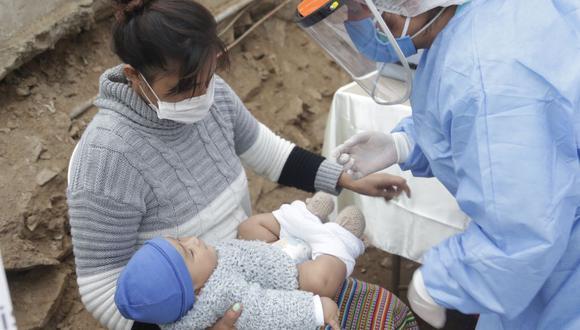La vacunación se efectuó en el asentamiento humano El Paraíso, en San Juan de Lurigancho. (Ministerio de Salud)