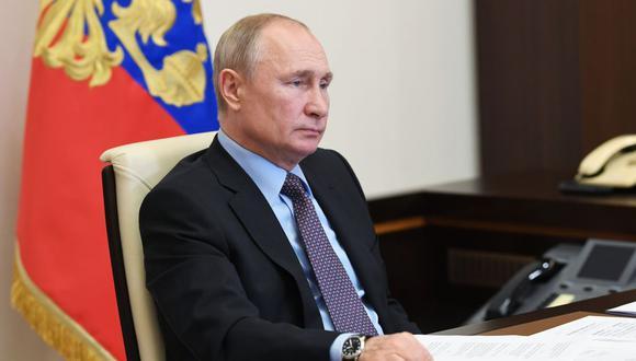 """El presidente ruso Vladimir Putin indicó que las """"crisis internas"""" vienen desde que Donald Trump ganó las elecciones. (AFP)."""