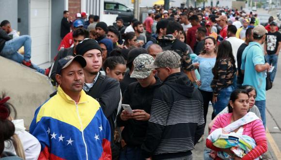 Los venezolanos que iniciaron el trámite deberán consultar en la página web de la entidad si su carné ya se encuentra impreso y listo para su recojo. (El Comercio)