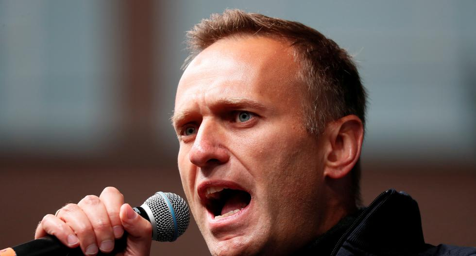 Kremlin opponent Alexei Navalny urges people to vote for Communist Party in Russia