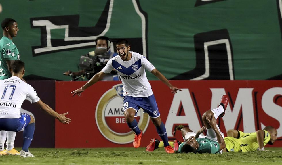 Vélez, con gol de Abram, vapuleó a Deportivo Cali y avanzó en la Copa Sudamericana