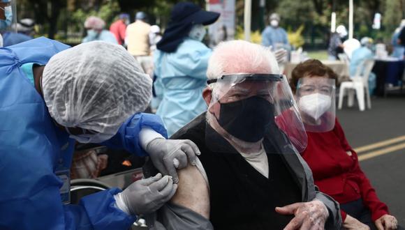 Adultos mayores de Miraflores serán vacunados contra el COVID-19 en su distrito. (Foto: Referencial/Jesús Saucedo/ @photo.gec)