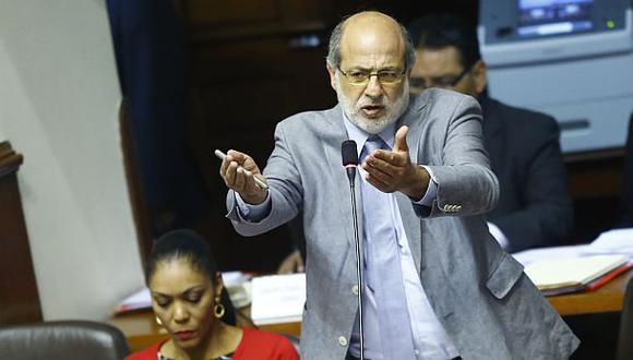 Abugattás acusará constitucionalmente a tres magistrados del TC