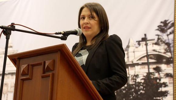 """Yeni Vilcatoma: """"Estamos ante la dictadura de la mayoría"""""""