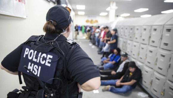 La agencia ICE constantemente realiza redadas en Estados Unidos que tienen como finalidad detener a extranjeros ilegales.(Foto: AFP)