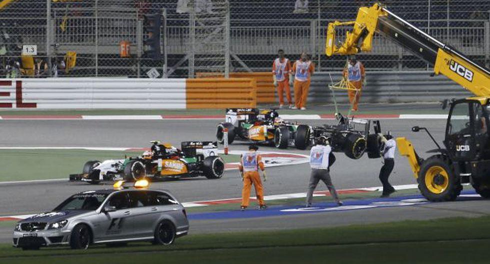 F1: la espeluznante volcadura de Gutiérrez en el GP de Bahréin  - 21