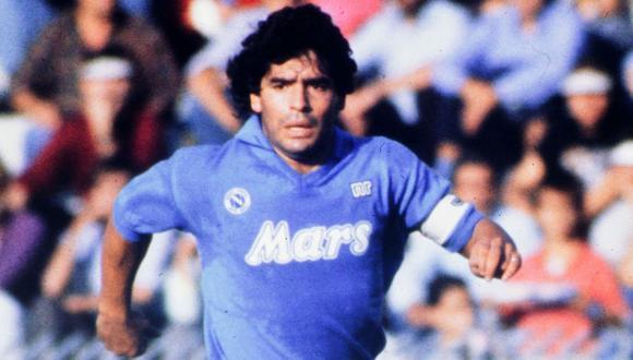 Diego Armando Maradona se convirtió en ídolo del Nápoli en su paso por Italia. (Foto: AP)