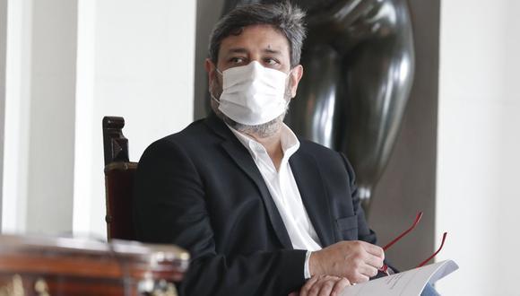 Ricardo Cuenca aclaró aún no se tiene aún una fecha establecida para el inicio del proceso de vacunación, pues el Minedu depende del cronograma de llegada de las vacunas. (Foto: Andina)