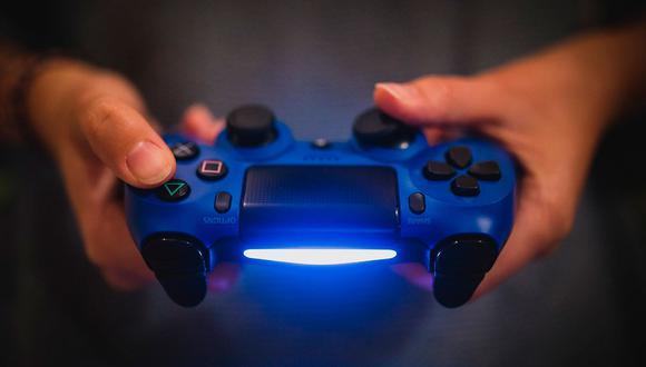 Un joven de 23 años se sintió frustrado con su pequeño bebé de dos meses por no permitirle jugar PlayStation. La historia es lamentable. (Foto: Pixabay)