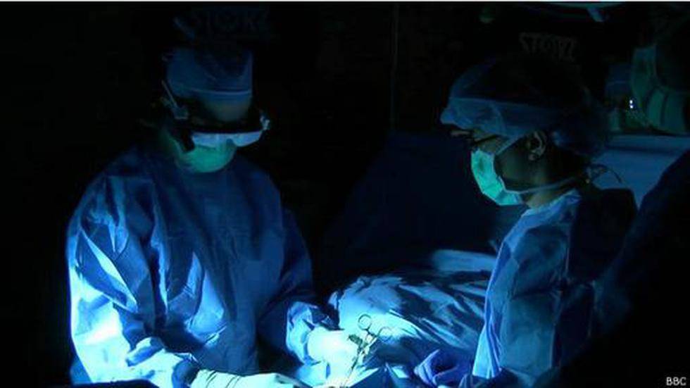 """Los lentes que ayudan a los cirujanos a """"cazar"""" tumores - 1"""