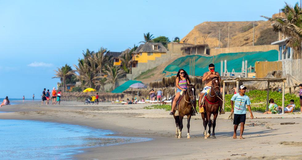 El balneario se encuentra a más de 170 km de la ciudad de Piura (tres horas en auto).(Foto: Shutterstock)