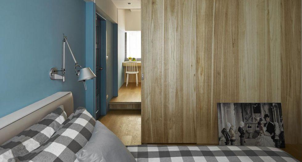 El dormitorio se ocultó detrás del área social con tablas de cedro. (Foto: Sam Siew Shien)