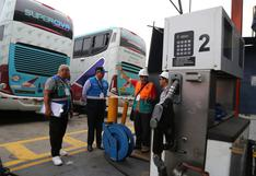 Clausuran local de empresa de transporte Civa donde funcionaba grifo sin licencia municipal   FOTOS