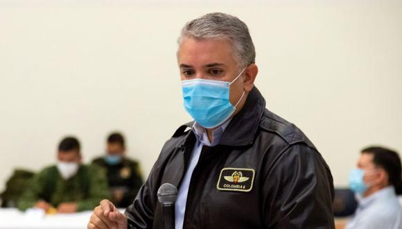Iván Duque durante una reunión con autoridades y manifestantes hoy, en Cali (Colombia). (Foto: EFE/ Nicolás Galeano /Presidencia de Colombia).