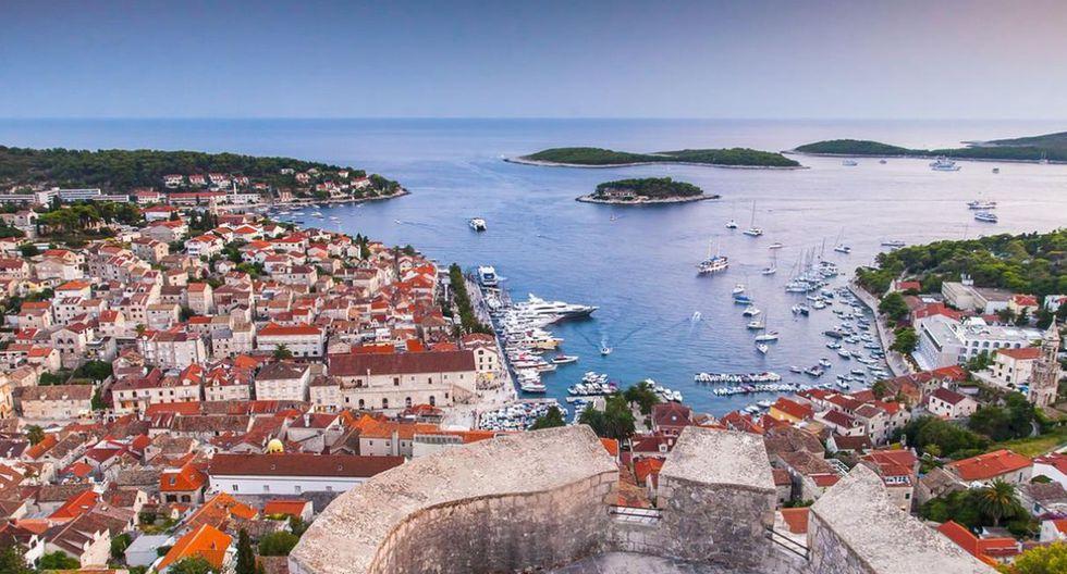 Hvar. Uno de los principales focos turísticos de Croacia es la isla de Hvar. Este es el pedazo de tierra más largo del país y cuenta con un envidiable sol durante todo el año. (Foto: Shutterstock)