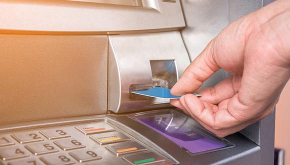 Bancos. Hay dos cosas muy importantes a tener en cuenta. La primera es hablar con el banco y las tarjetas de crédito para ampliar los límites disponibles y autorizar las compras de montos elevados. El segundo punto a tener en cuenta es visitar el programa de beneficios de cada banco para ver las promociones vigentes y las opciones de pago en cuotas. (Foto: Shutterstock)