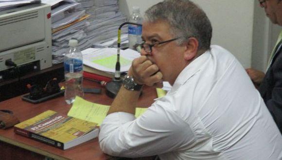 Piura: condenan a periodista Pedro Salinas a un año de prisión suspendida