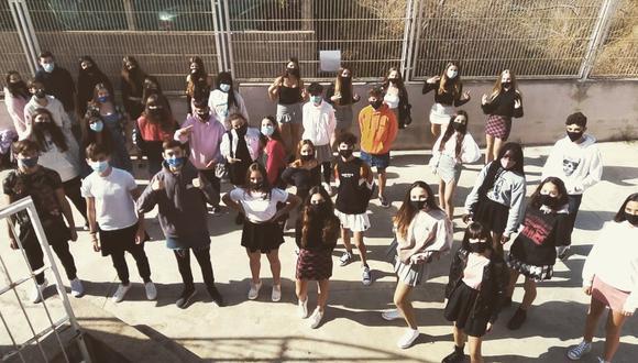 Muchos alumnos en España fueron con falda el 4 de noviembre. (Foto: @iessonferrer   Instagram)