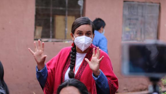 Candidata Verónika Mendoza participó en el desayuno electoral con su familia en Andahuaylillas, Cusco (Foto: Juan Sequeiros/Grupo El Comercio)