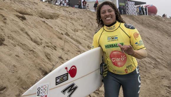 Surf: Analí Gómez clasificó a la final del Mundial ISA