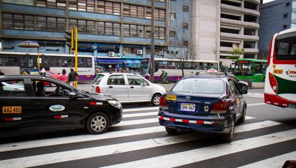 El municipio detalló que fiscaliza y sanciona un total de 41 tipos de infracciones de tránsito que no requieren de intervención policial. Destacó que durante el 2020 se impusieron 101.189 papeletas, mediante el aplicativo Vipa, por infracciones al Reglamento Nacional de Tránsito. Foto: Andina