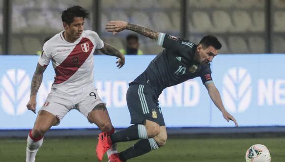 Perú se enfrentará a Argentina en la fecha triple de las Eliminatorias. (Photo by SEBASTIAN CASTANEDA / POOL / AFP)