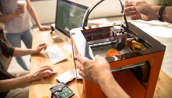 Diego Martínez necesita ayuda para proveerse de elásticos y láminas de acetato. (Foto: Shutterstock)