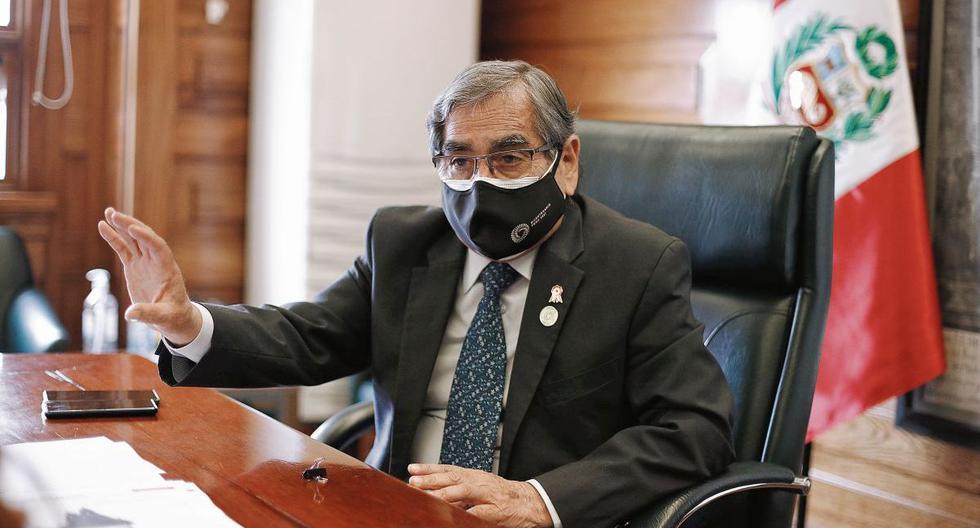 Ministro Óscar Ugarte señala que todos los estudios sobre la eficacia de Sinopharm coinciden en que protege contra el virus. En agosto llegan 3 millones de dosis. (Joel Alonzo/ @photo.gec)