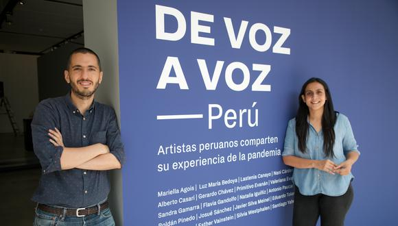 Nicolás Gómez, director del Museo de Arte Contemporáneo de Barranco, y la curadora de la exposición De Voz a Voz Perú Giuliana Vidarte. La muestra estará abierta al público desde el 15 de abril.  FOTO: EDUARDO CAVERO