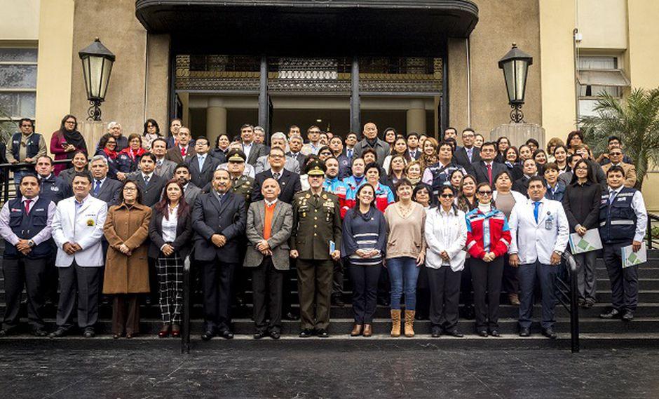 Los trabajadores fueron reconocidos públicamente por la ministra Patricia Salas. (Foto: Minsa)