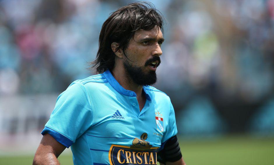 "Sporting Cristal: Jorge Cazulo renovó con celestes ""hasta su retiro"". (Foto: AFP)"