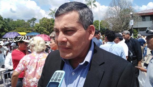 Alcalde es investigado tras video que lo muestra recibiendo fajos de dinero. Se entregó a las autoridades acompañado por su abogado. (Foto: Daniel Carbajal)