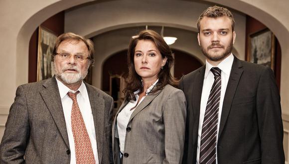 """De izquierda a derecha los personajes Bent Sejrø (Lars Knutzon), Birgitte Nyborg (Sidse Babett) y Kasper Juul (Pilou Asbæk); que conforman el corazón de """"Borgen"""" de Netflix. Foto:  Danmarks Radio."""