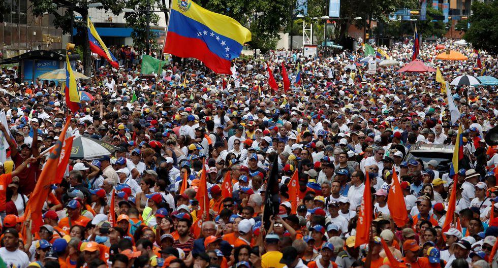 Opositores al régimen de Nicolás Maduro se concentran en el este de Caracas. (REUTERS/Carlos Garcia Rawlins).