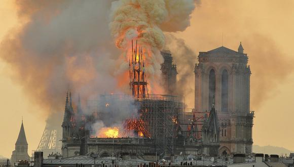 Catedral de Notre Dame: Aún no se ha recibido los 953 millones de dólares prometidos para el templo incendiado en París. (AP).